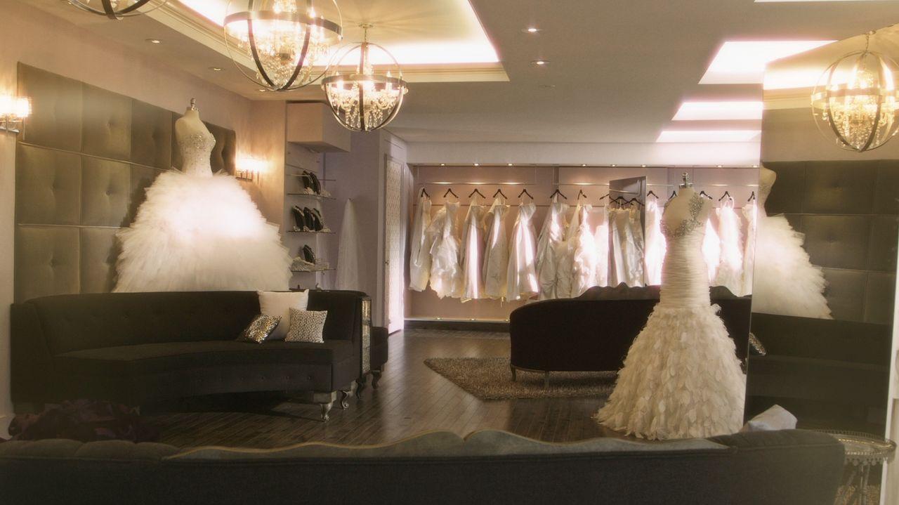 Die Vorstellungen vom perfektenj Hochzeitskleid gehen manchmal ganz besonders weit auseinander ... - Bildquelle: Copyright 2012 All Rights Reserved  KPD Productions Inc.