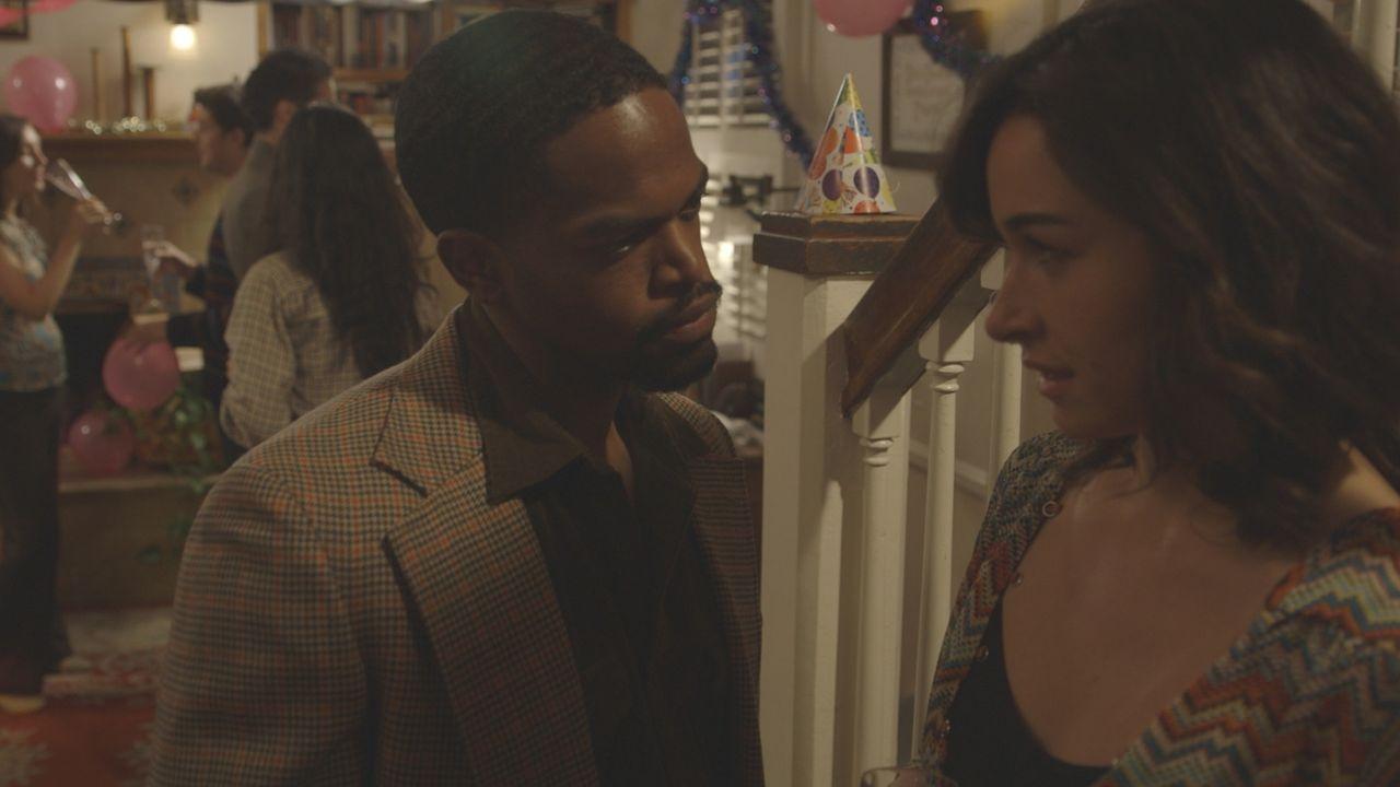 Gekränkte Eitelkeit? Auf der Party im Haus von John und Yolanda Madison flirtet Anthony Walker (l.) heftig mit Theresa Carey (r.) Nachdem Theresa se... - Bildquelle: LMNO Cable Group