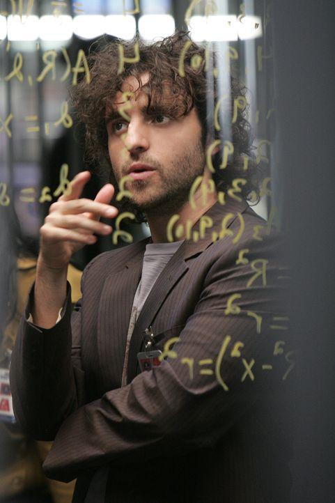Charlie (David Krumholtz) erstellt eine Vertrauensmetrik über Colby, um festzustellen, wie weit man seinen Aussagen trauen kann ... - Bildquelle: Paramount Network Television