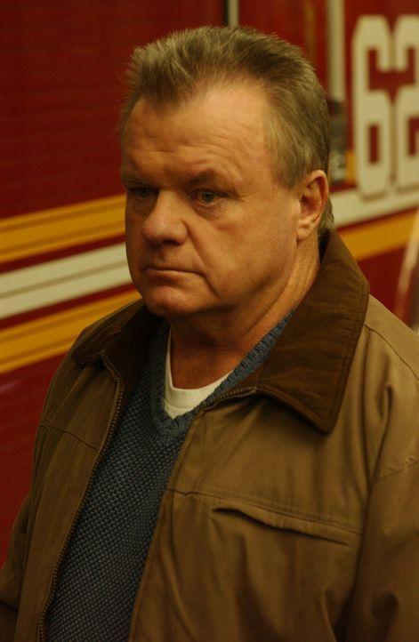 Chief Jerry Reilly (Jack McGee) will unter keinen Umständen als Bürohengst enden. Da fasst er einen fatalen Entschluss ... - Bildquelle: 2007 Sony Pictures Television Inc. All Rights Reserved