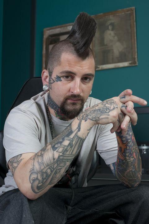 (2. Staffel) - Sein Vater kaufte ihm seine erste Tattoo-Maschine in der Hoffnung, seinen Sohn so von Ärger fernzuhalten und konstruktiv zu arbeiten.... - Bildquelle: Fernando Leon Spike TV