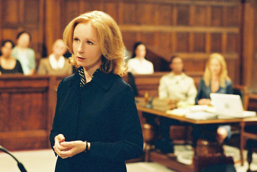 Anwältin Sara Miller (Kate Burton) ist überzeugt davon, dass ihre Klientin die Wahrheit sagt. Da erhält sie ein psychologisches Gutachten über E... - Bildquelle: TM &   2006 CBS Studios Inc. All Rights Reserved.