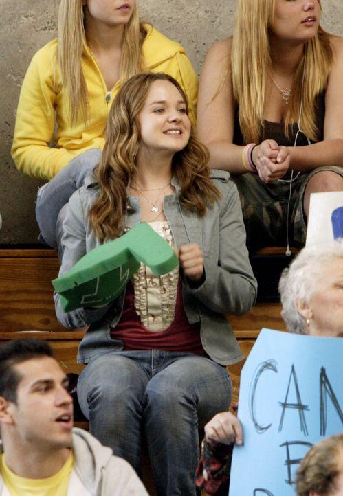 Hofft auf einen Sieg für Kyle und sein Team: Lori (April Matson) ... - Bildquelle: TOUCHSTONE TELEVISION