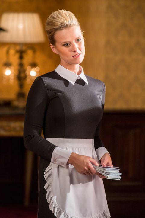Wird von Cyrus für ihre ganz speziellen Dienste bezahlt: Lana (Sasha Jackson) ... - Bildquelle: Colin Hutton 2016 E! Entertainment Television, LLC