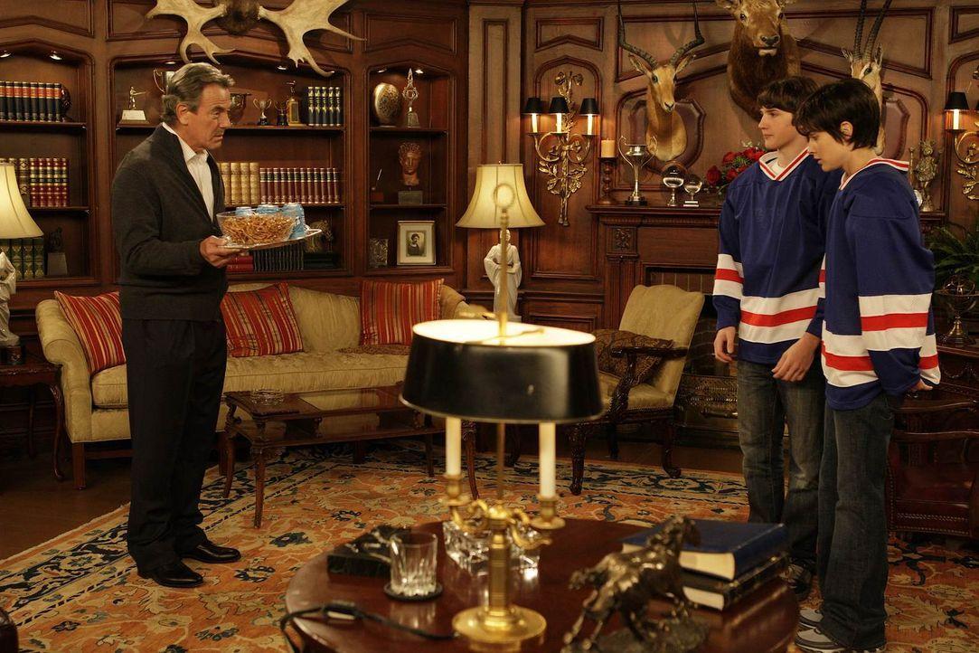 Rückblick: Robins (Cobie Smulders, r.) Vater hat sie seit dem Tag ihrer Geburt immer wieder unter Druck gesetzt, da er eigentlich einen Sohn (Eric B... - Bildquelle: 20th Century Fox International Television