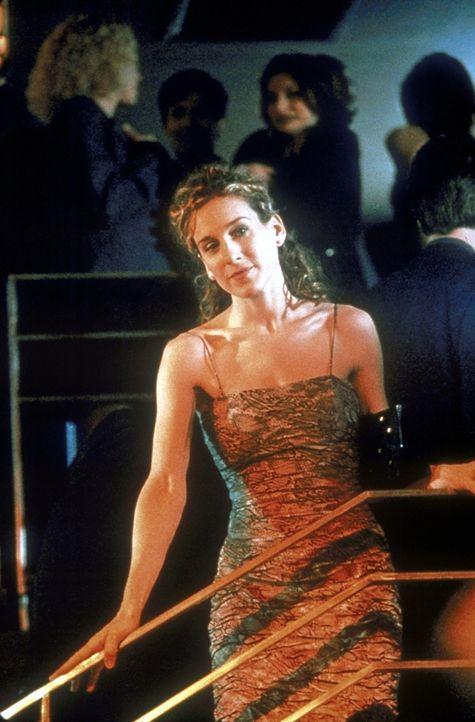 """Allein unter Ehepaaren: Carrie (Sarah Jessica Parker) versucht, ins Lager des """"Feindes"""" einzudringen. - Bildquelle: Craig Blankenhorn 1998 HBO"""