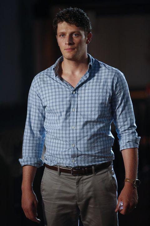 Nachdem Mateo entführt wurde, versucht Michael (Brett Dier) alles, um Jane ihren Sohn zurückzubringen ... - Bildquelle: Greg Gayne 2015 The CW Network, LLC. All Rights Reserved.