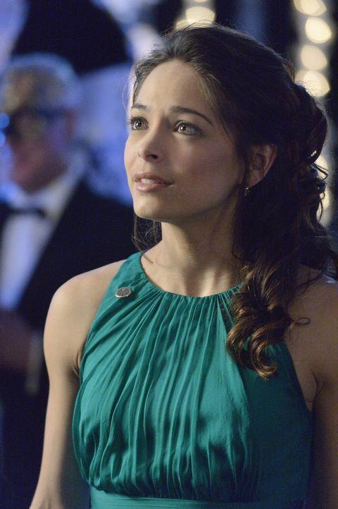 Beim Versuch Sam zu stoppen, kommen bei Catherine (Kristin Kreuk) erneut Gefühle für Vincent zum Vorschein. Doch wie wird sie damit umgehen? - Bildquelle: 2013 The CW Network, LLC. All rights reserved.