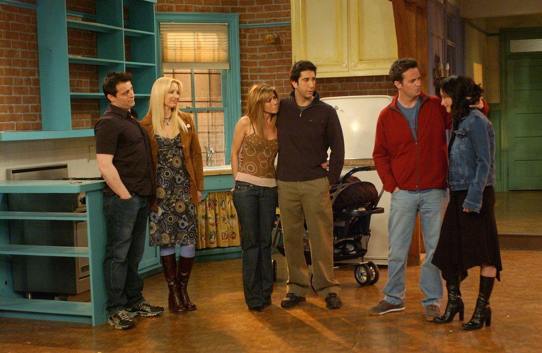 Der Abschied naht: Ross (David Schwimmer, 3.v.r.), Rachel (Jennifer Aniston, 3.v.l.), Monica (Courteney Cox, r.), Chandler (Matthew Perry, 2.v.r.),... - Bildquelle: 2003 Warner Brothers International Television