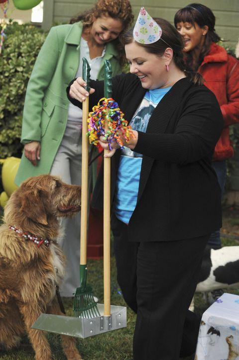 Organisiert eine Geburtstagsparty für ihren Hund: Dena (Melissa McCarthy) ... - Bildquelle: 2008 American Broadcasting Companies, Inc. All rights reserved.