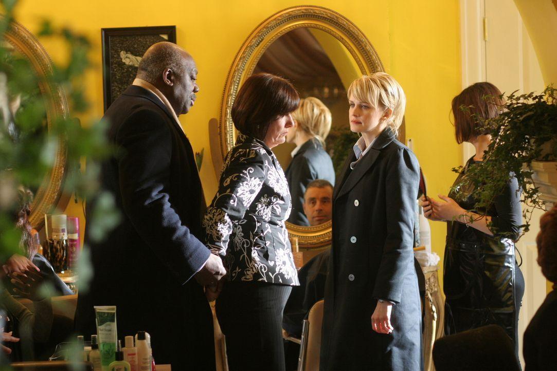 Im Laufe ihrer Ermittlungen stoßen Det. Lilly Rush (Kathryn Morris, r.) und Det. Will Jeffries (Thom Barry, l.) auf eine neue Verdächtige: Kitty (Ma... - Bildquelle: Warner Bros. Television