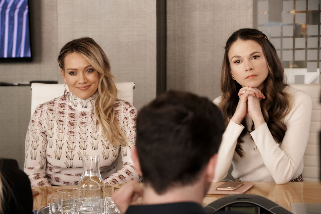 Kelsey Peters (Hilary Duff, l.); Liza Miller (Sutton Foster, r.) - Bildquelle: 2019 Viacom International Inc. All Rights Reserved