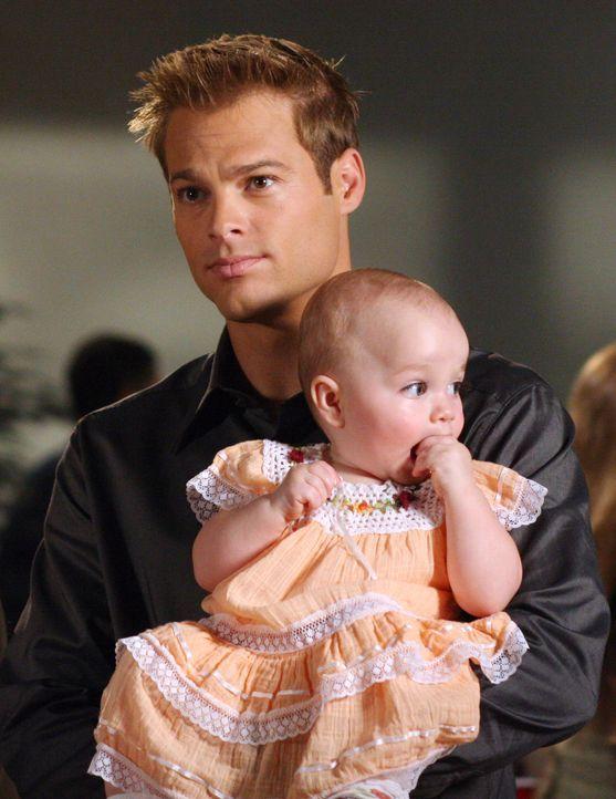 In einem Mutter-Kind-Kurs verzaubert Kevin Kinkirk (George Stults) alle anwesenden Mütter ... - Bildquelle: The WB Television Network
