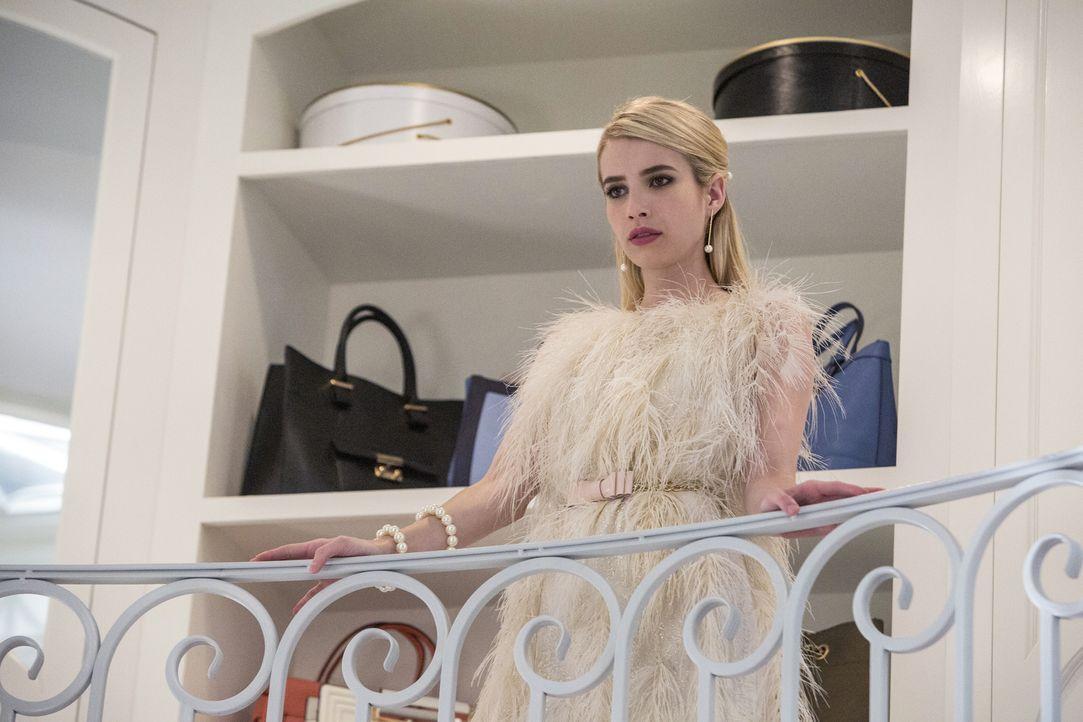 Chanel (Emma Roberts) glaubt, einen Weg gefunden zu haben, um das Grauen der neuen Anwärterinnen zu mildern. Unterdessen macht Chanel #3 ein Geständ... - Bildquelle: Skip Bolen 2015 Fox and its related entities.  All rights reserved.
