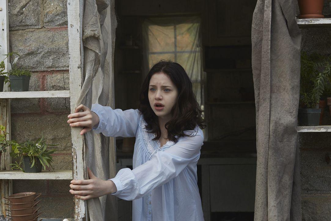 Eine grausame Vorahnung erschreckt Savannah (Kiara Glasco) beinahe zu Tode ... - Bildquelle: 2015 She-Wolf Season 2 Productions Inc.