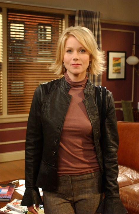 Obwohl Ross überhaupt nicht einverstanden ist, bittet Rachel ihre Schwester Amy (Christina Applegate) auf Emma aufzupassen ... - Bildquelle: 2003 Warner Brothers International Television