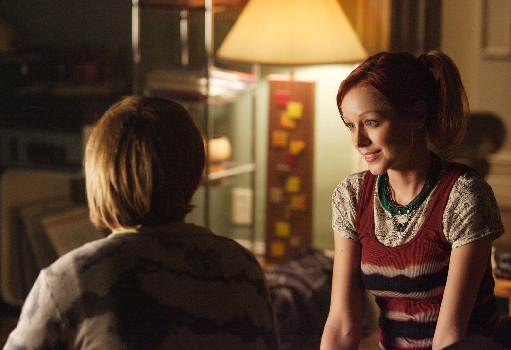 Unterstützt ihren Freund Phil (Jay Paulson, l.): Pizza Girl (Lindy Booth, r.) ... - Bildquelle: ABC Studios