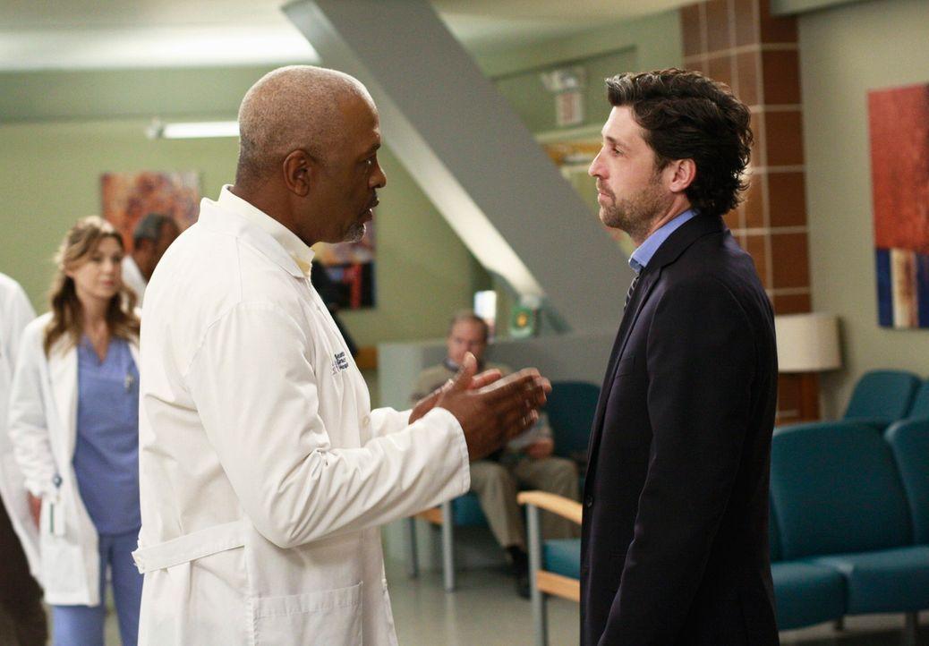 Nachdem Derek (Patrick Dempsey, r.) erfahren hat, dass in letzter Zeit mehr seiner Patienten gestorben sind, als er retten konnte, fast er einen sch... - Bildquelle: Touchstone Television