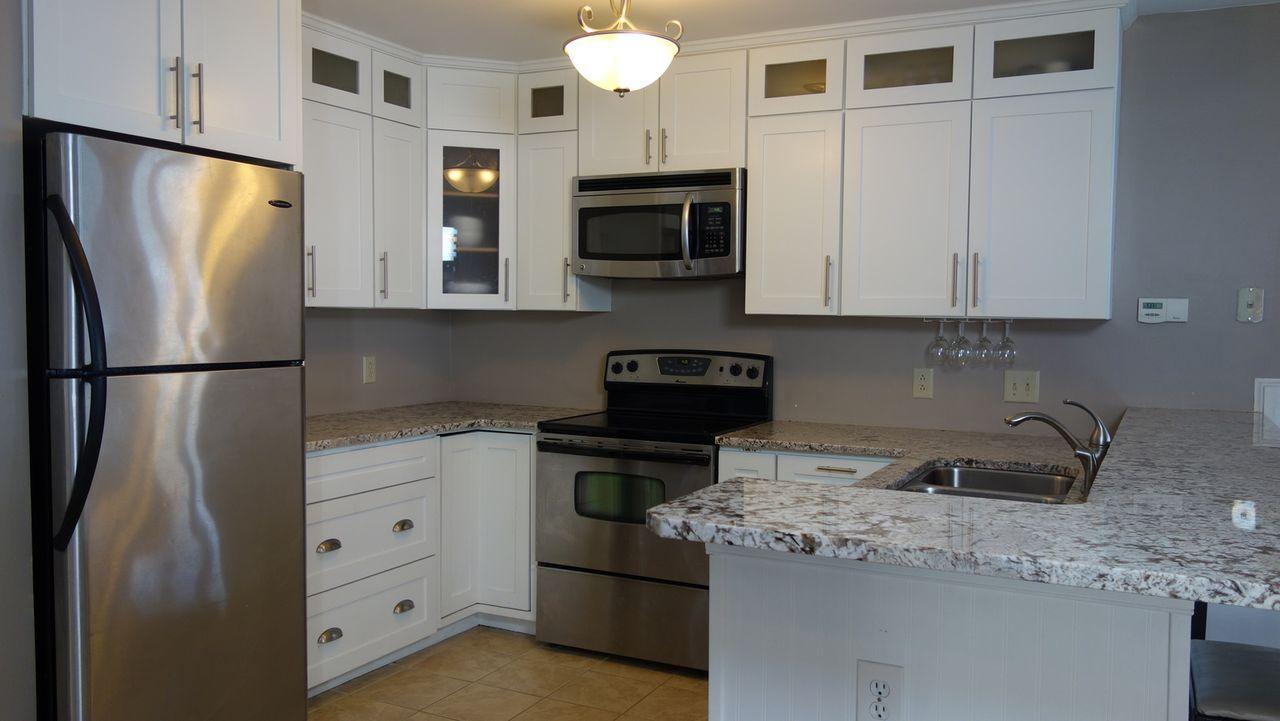 Corey und Emily wollen ihr erstes Eigenheim an der Ostküste Virginias kaufen... - Bildquelle: 2014, HGTV/Scripps Networks, LLC. All Rights Reserved.