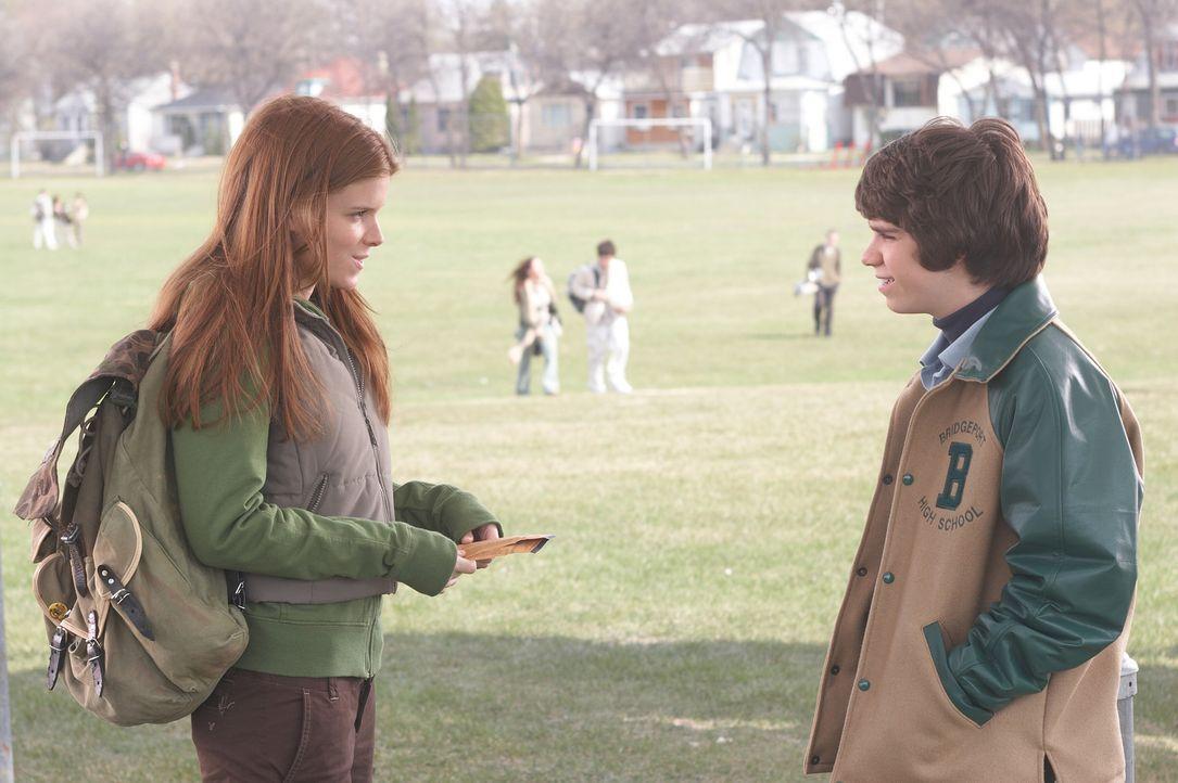 Noch ahnen Sam (Ryan Pinkston, r.) und Annie (Kate Mara, l.) nicht, dass sich seine Lügen bald in Wirklichkeit verwandeln werden ... - Bildquelle: New Line Cinema