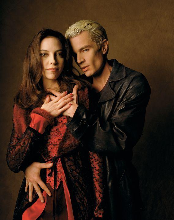 (2. Staffel) - Drusilla (Juliet Landau, l.) und Spike (James Marsters, r.) haben eine ganz besondere Beziehung. Sie hat ihn zu einem Vampir gemacht... - Bildquelle: (1998) Twentieth Century Fox Film Corporation.