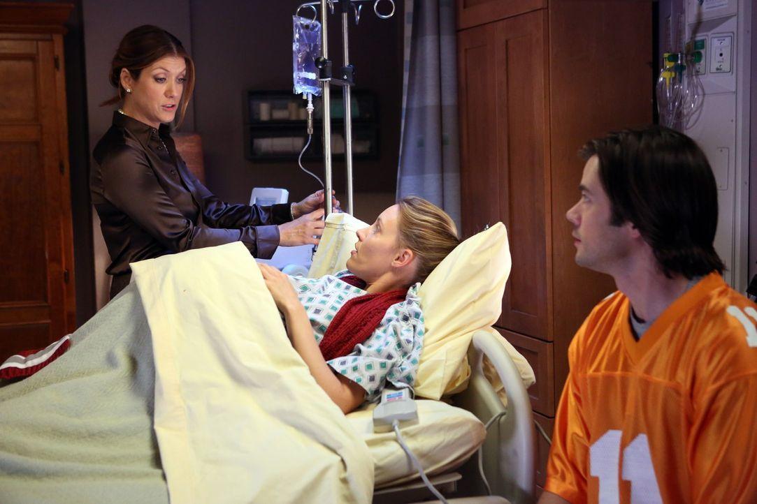 Da Charlotte (KaDee Strickland, M.) zur Bettruhe verdonnert wurde, um ihre Babys zu retten, treibt sie Addison (Kate Walsh, l.), James (Matt Long, r... - Bildquelle: ABC Studios