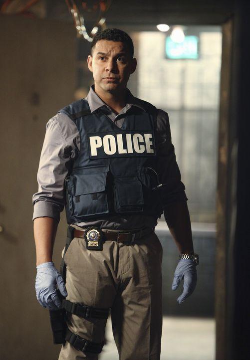 Gleich drei Morde beschäftigen Javier Esposito (Jon Huertas) und das gesamte Team. - Bildquelle: 2010 American Broadcasting Companies, Inc. All rights reserved.