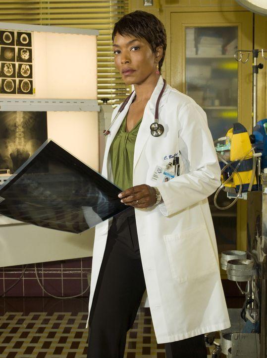 (15. Staffel) - Neu im Team: Dr. Catherine Banfield (Angela Bassett) ... - Bildquelle: Warner Bros. Television