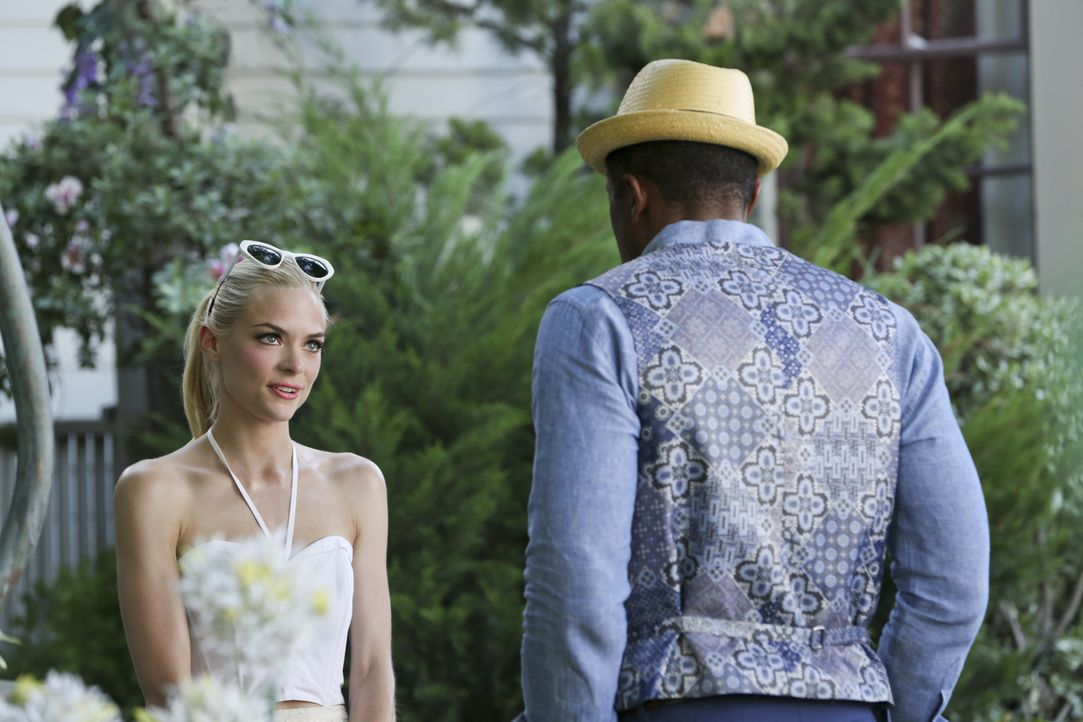 Hart of Dixie: Lemon vertraut Lavon ihre Sorgen an - Bildquelle: Warner Bros. Entertainment Inc.
