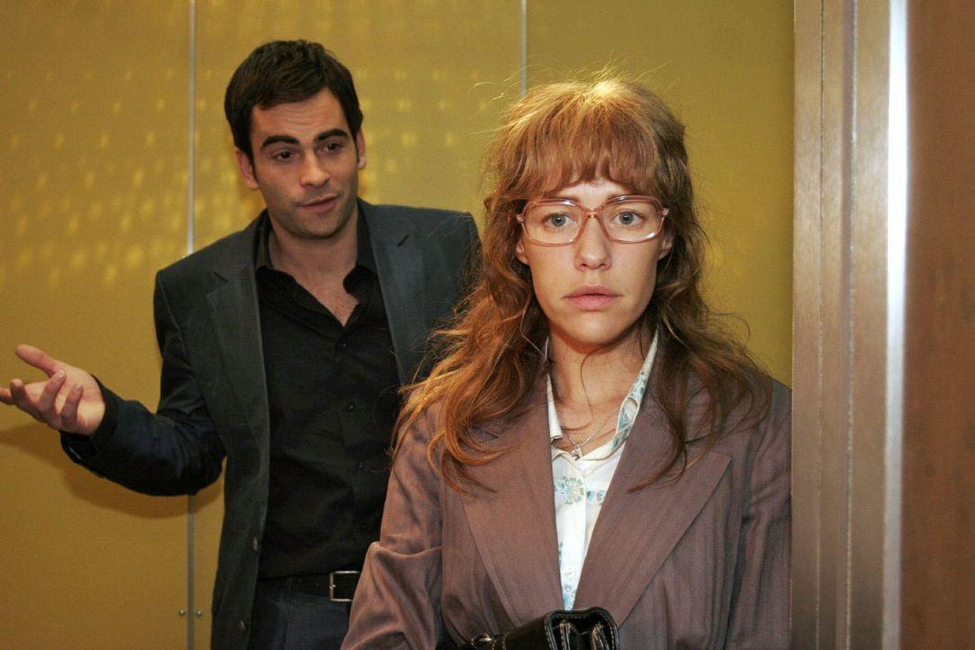 Lisa (Alexandra Neldel, r.) ist getroffen, als David (Mathis Künzler, l.) sie auffordert, Rokko eine Chance zu geben ... (Dieses Foto von Alexandra... - Bildquelle: Noreen Flynn SAT.1 / Noreen Flynn