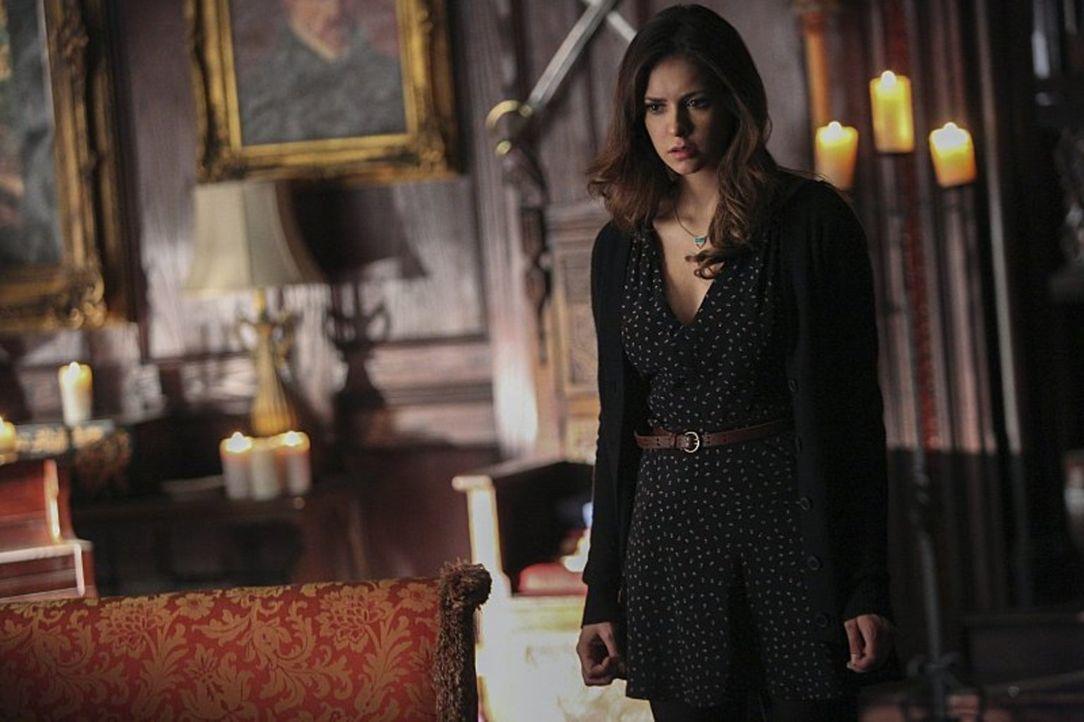 Elena (Nina Dobrev) beharrt darauf, Bonnies Geburtstag zu feiern, doch ist das wirklich eine gute Idee? - Bildquelle: Warner Bros. Entertainment, Inc