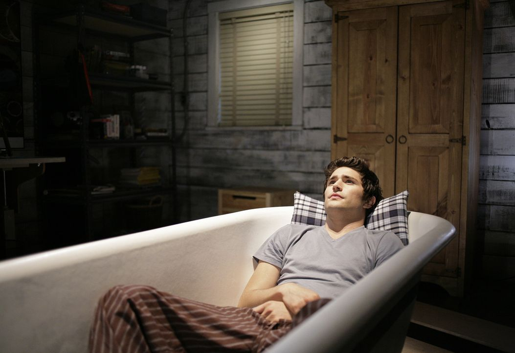 Er träumt von seiner Liebsten: Kyle (Matt Dallas) vermisst Amanda, die ihre Mutter zurück nach New York geschickt hat ... - Bildquelle: TOUCHSTONE TELEVISION