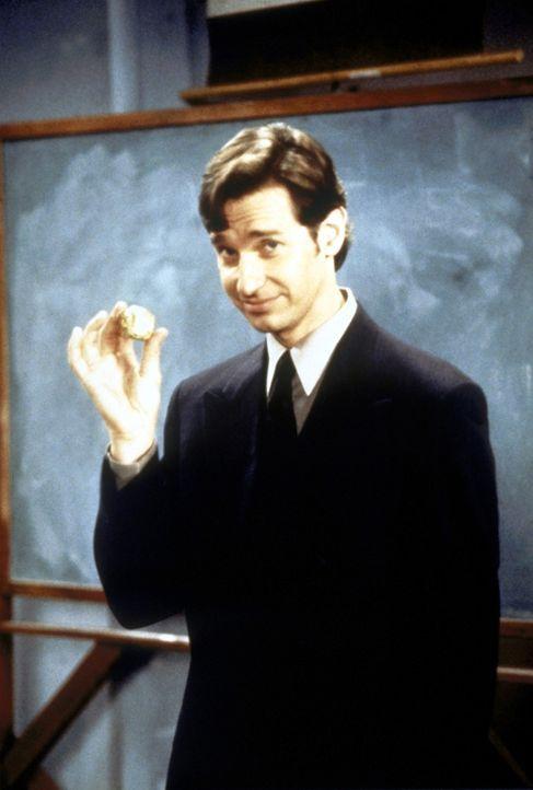 Sabrina hat ihren Lehrer Dr. Pool (Paul Feig) zum Alchimisten werden lassen ... - Bildquelle: Paramount Pictures