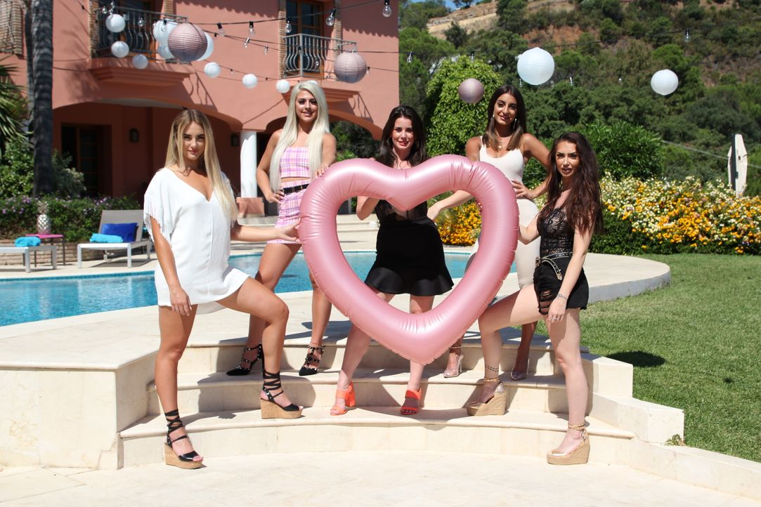 (1. Staffel) - (v.l.n.r.) Rosie; Ericka; Claudia; Nicole; Tyler - Bildquelle: Twofour