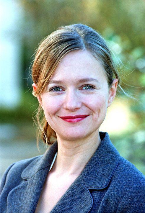 Stefanie Stappenbeck als Nina - Bildquelle: Sat.1