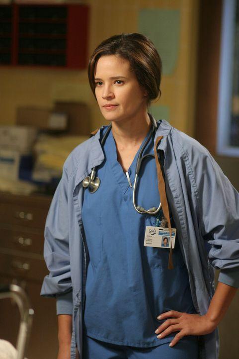 Ist immer bereit Menschen zu retten: Dr. Jessica Albright (Dahlia Salem) ... - Bildquelle: Warner Bros. Television