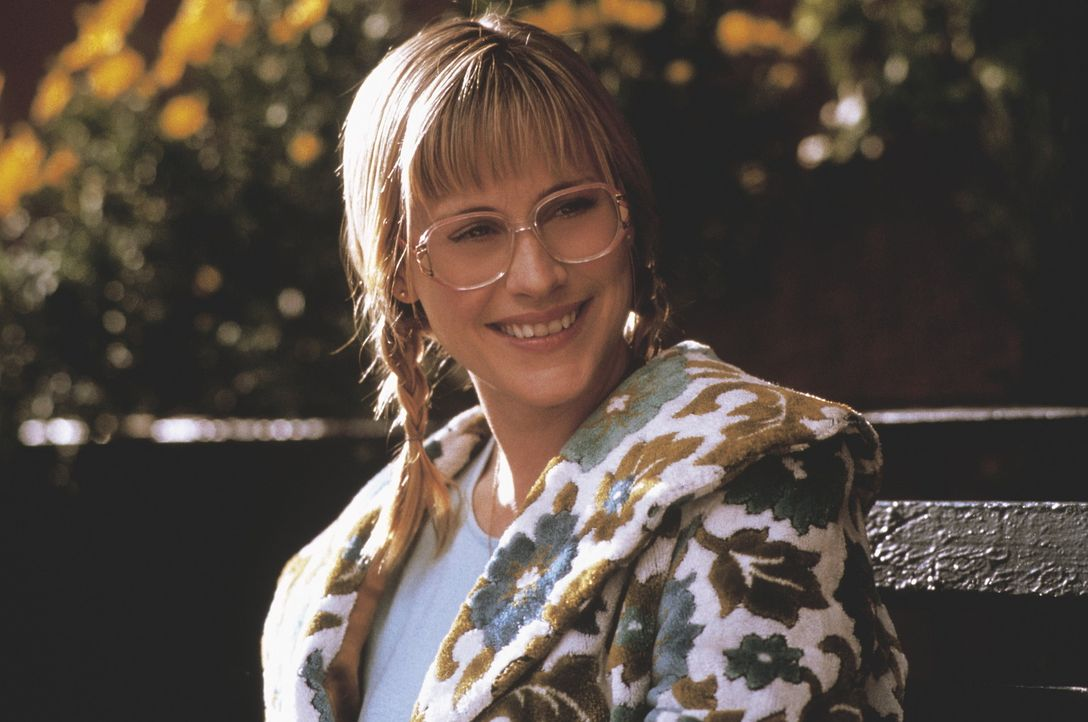Als Satans Junior die Modestudentin Valerie (Patricia Arquette) kennen lernt, überfallen ihn himmlische Gefühle, die seine teuflische Mission schw... - Bildquelle: New Line Cinema