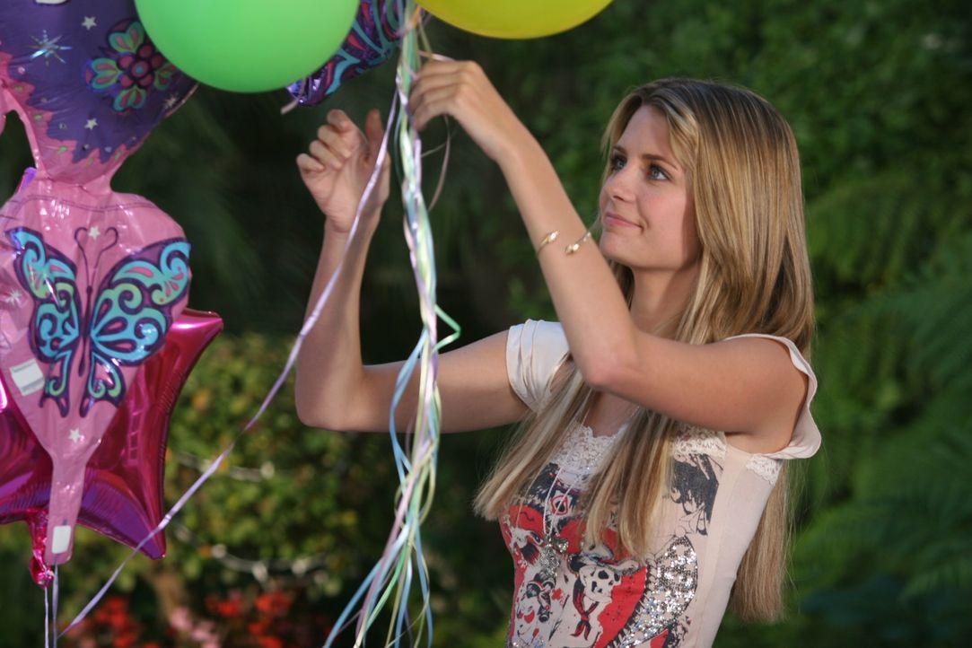 Bereitet die Geburtstagsparty für Kaitlin vor: Marissa (Mischa Barton) ... - Bildquelle: Warner Bros. Television