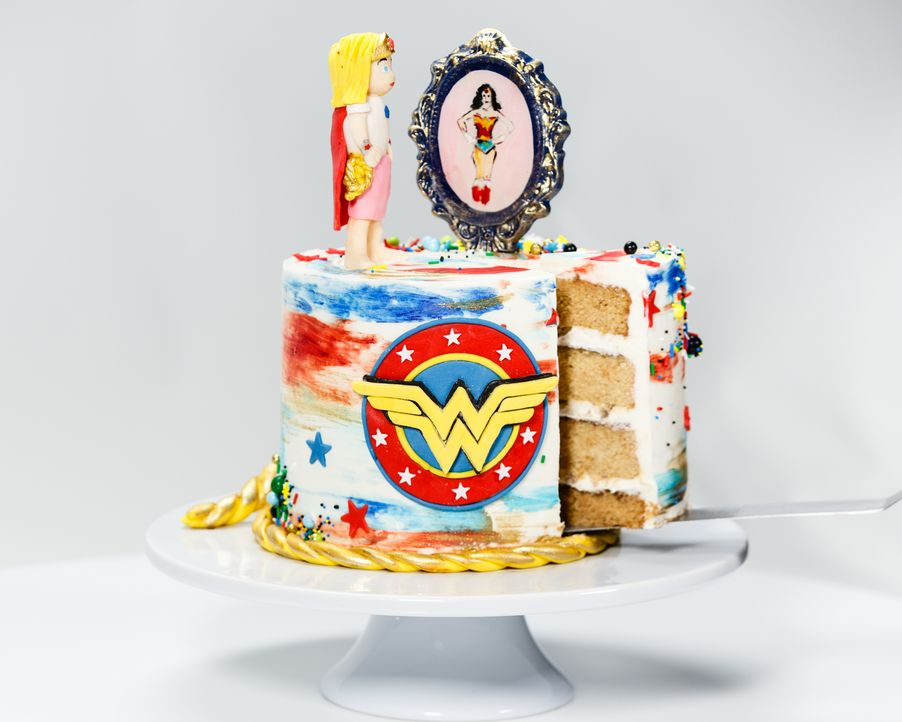 Die Wonder-Woman-Edition - Bildquelle: Emile Wamsteker 2016, Television Food Network, G.P. All Rights Reserved./Emile Wamsteker