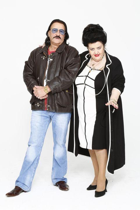 Die durchgeknallte Operndiva und der in die Jahre gekommene Playboy: Sissi (r.) und Toni Wischnewski (l.) - Bildquelle: Bernd Jaworek SAT.1