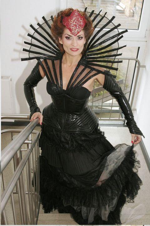 Sophie von Brahmberg (Gabrielle Scharnitzky) als Böse Königin. - Bildquelle: Noreen Flynn SAT.1 / Noreen Flynn
