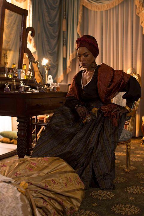 Marie Laveau (Angela Bassett) will Rache und hatte gehofft, diese bereits vor Jahrzehnten bekommen zu haben ... - Bildquelle: 2013-2014 Fox and its related entities. All rights reserved.