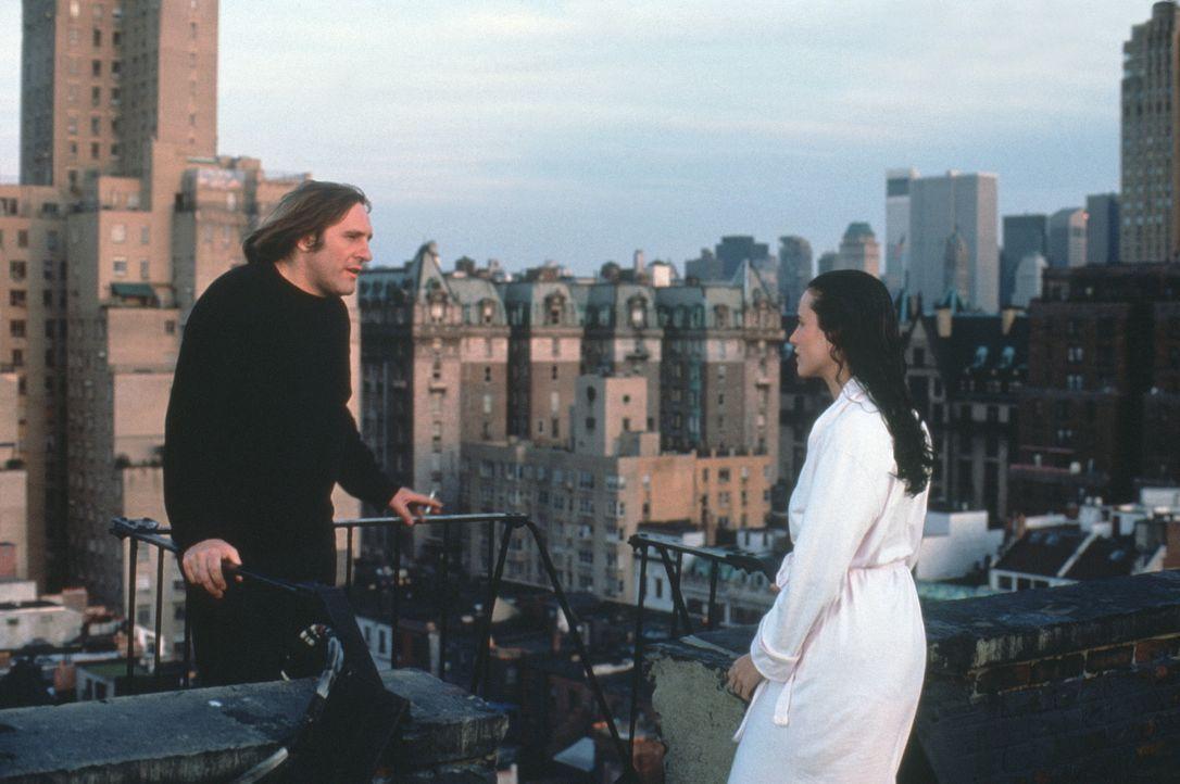 Anfangs ist die Beziehung zwischen George (Gérard Depardieu, l.) und Bronte (Andie MacDowell, r.) nur ein Geschäft, doch dann lernen die beiden sich... - Bildquelle: Warner Bros.