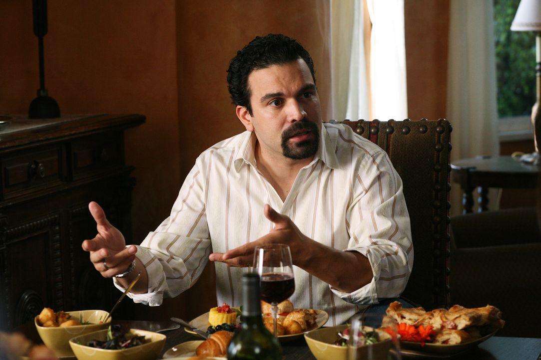 Carlos (Ricardo Antonio Chavira) kann nicht verstehen, warum Gabrielle so ausflippt ... - Bildquelle: 2005 Touchstone Television  All Rights Reserved