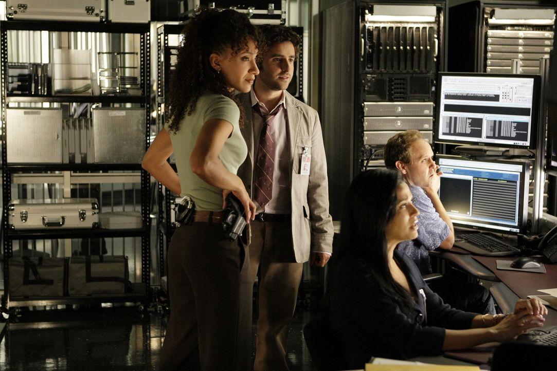 Versuchen einen neuen Fall aufzudecken: Nikki (Sophina Brown, l.), Amita (Navi Rawat, 2.v.r.), (Peter MacNicol, r.) und Charlie (David Krumholtz, 2.... - Bildquelle: Paramount Network Television