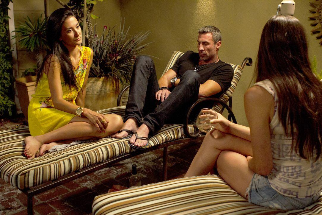 Müssen sich über die Zukunft ihrer Beziehung unterhalten: Megan (l.), Chris (M.) und Leigh Ann (l.) ... - Bildquelle: Showtime Networks Inc. All rights reserved.