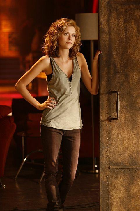 Als Peyton (Hilarie Burton) erfährt, dass Lucas eine neue Freundin hat, mit der er sehr glücklich ist, scheint sie fast ein bisschen eifersüchtig... - Bildquelle: Warner Bros. Pictures