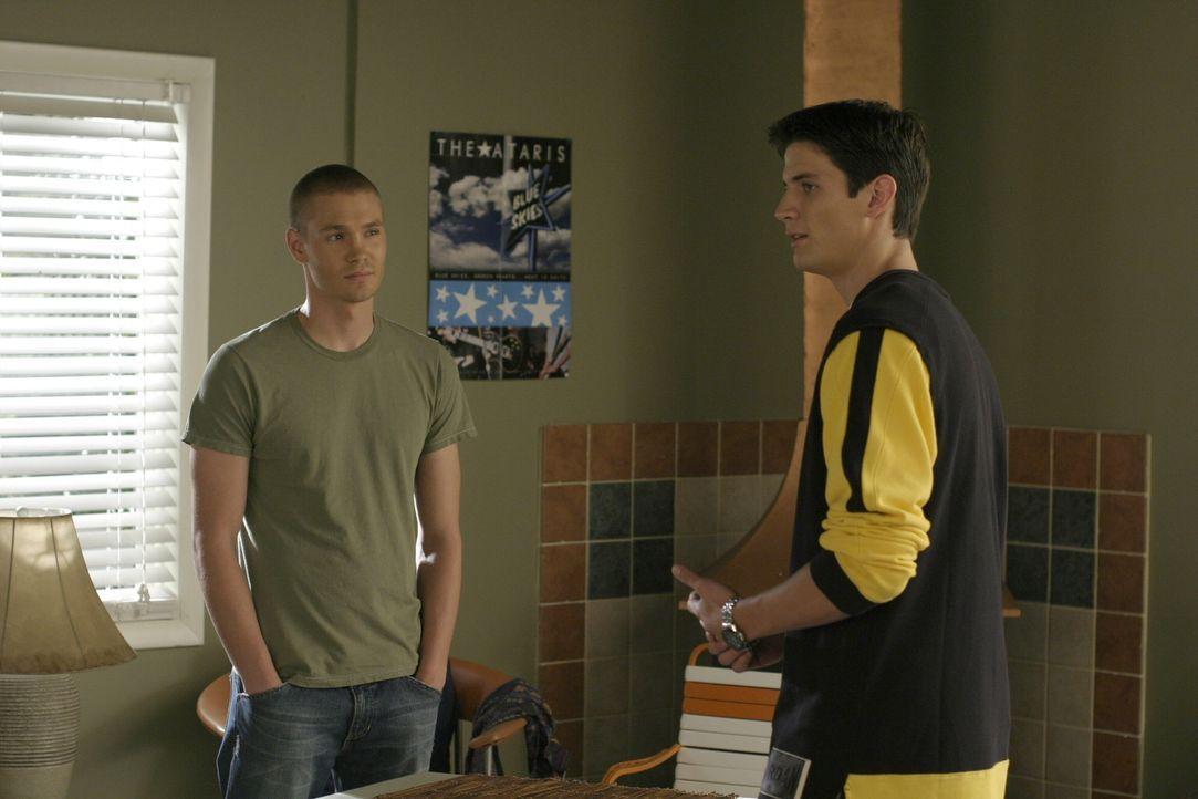 In Sachen Liebe tut sich bei Lucas (Chad Michael Murray, l.) und Nathan (James Lafferty, r.) viel. Die Halbbrüder haben einiges zu bereden ... - Bildquelle: Warner Bros. Pictures