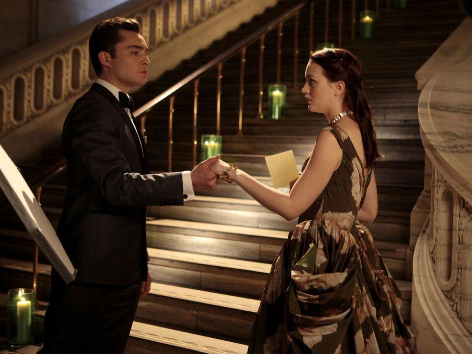Hat sich Chuck (Ed Westwick, l.) mehr von der Zusammenarbeit mit Blair (Leighton Meester, r.) erwartet? - Bildquelle: Warner Bros. Television