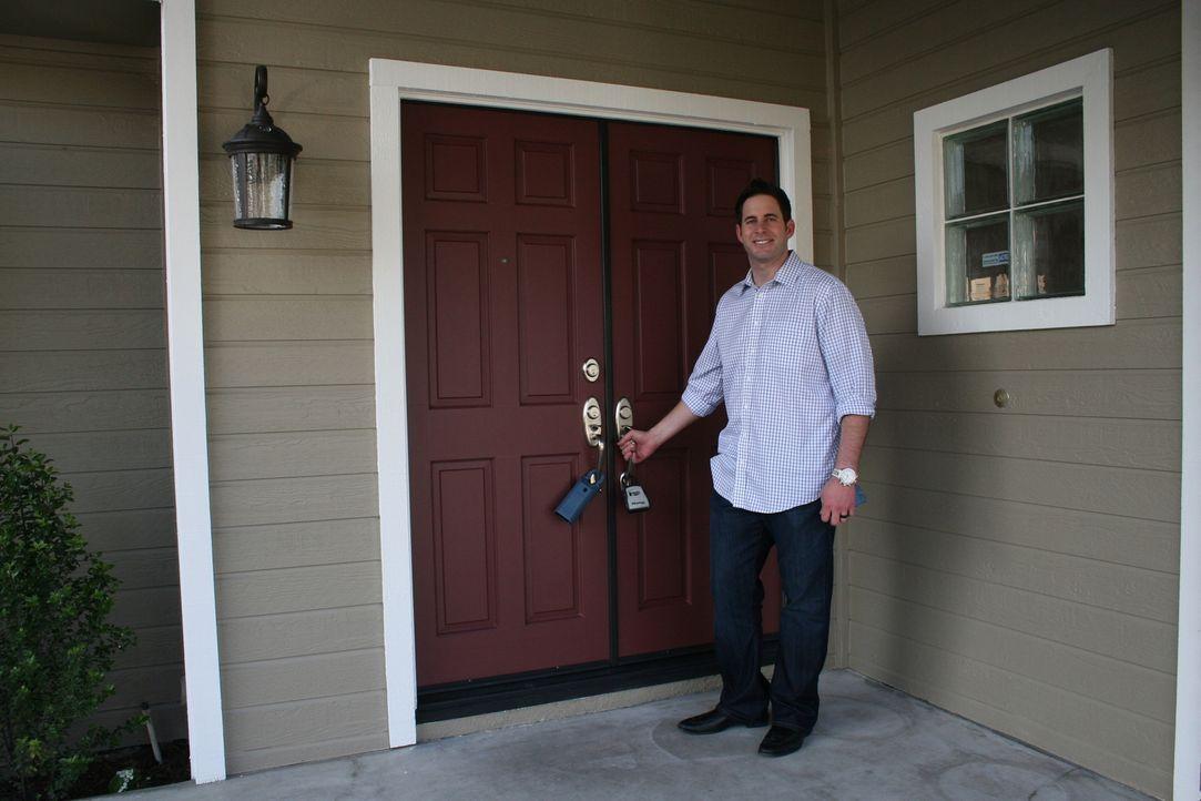 Für ein Haus in La Miranda muss Tarek mehr Geld hinblättern, als er normal ausgeben würde. Kann er trotzdem mit einem Gewinn aus dem Deal herauskomm... - Bildquelle: 2014, HGTV/Scripps Networks, LLC. All Rights Reserved.